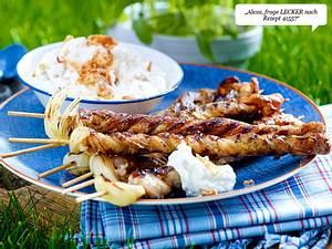 Grillfackeln (Bauchfleisch-Spieße) mit Röstzwiebel-Schmand Rezept