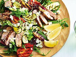 Grillsalat mit Hähnchenstreifen Rezept