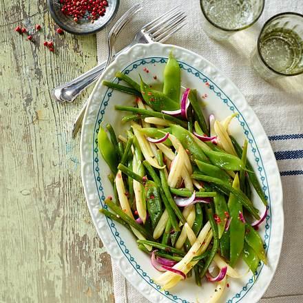 Grün-gelber Bohnensalat mit roten Zwiebeln Rezept