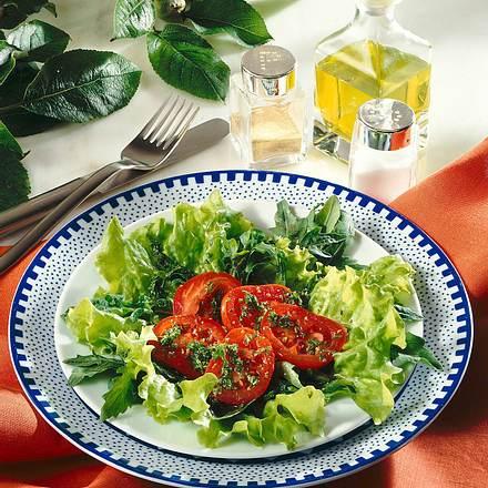Grüner Salat mit Kräutervinaigrette Rezept