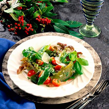 Grüner Salat mit Paprika und Himbeervinaigrette Rezept