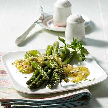 Grüner Spargel in Kartoffel-Dressing Rezept