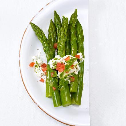 Grüner Spargel mit Kräuter-Dip (Trennkost, neutral) Rezept