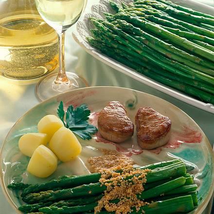 Grüner Spargel mit Sesambutter Rezept