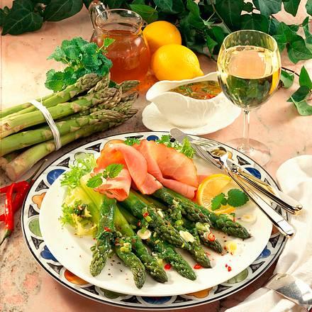 Grüner Spargel-Salat mit Honig-Zitronen-Vinaigrette Rezept