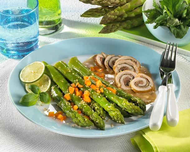 Grüner Spargel zu Putenröllchen Rezept
