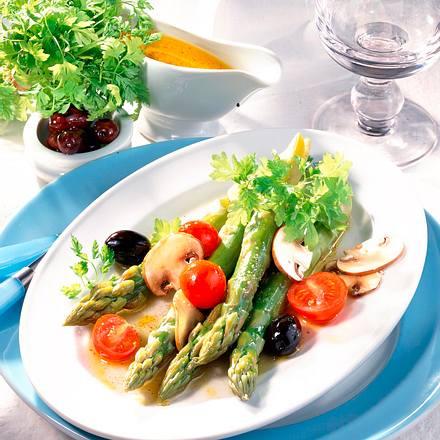 Grüner Spargelsalat mit Pilzen Rezept