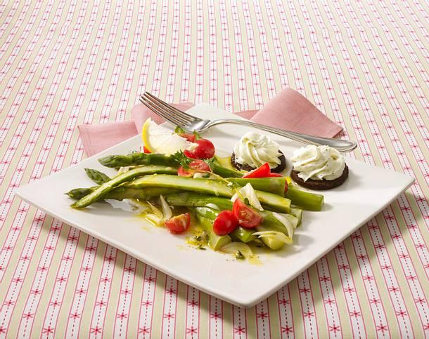 Grüner Spargelsalat mit Zitronenvinaigrette Rezept