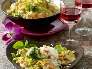 Grünes Linsen-Curry zu Erdnussreis Rezept