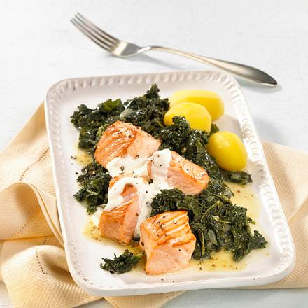 Grünkohl-Gemüse mit Lachs Rezept