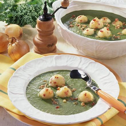 Grünkohl-Rahmsuppe mit Kartoffelklößchen Rezept