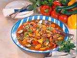 Gulasch mit buntem Gemüse Rezept