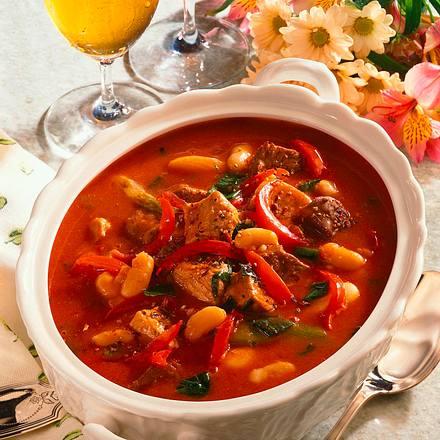 Gulasch mit Lauchzwiebeln und italienische Bohnen Rezept