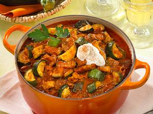 Gulaschtopf mit Zucchini Rezept