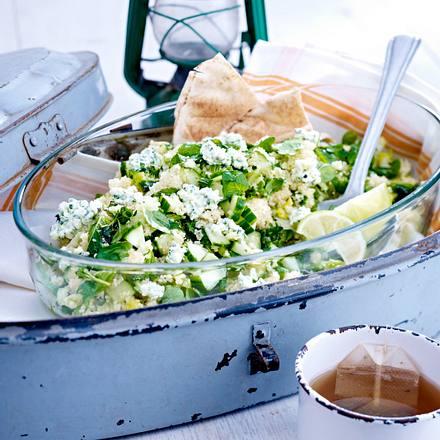 Gurken-Couscous-Salat mit Minz-Frischkäse Rezept