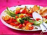 Gurken-Erdbeer-Salat mit Garnelen Rezept