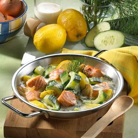 Gurken-Pfanne mit Lachs Rezept