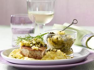 Gurkenrelish mit Thunfischsteak und Polenta Rezept
