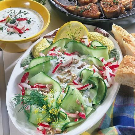 Gurkensalat mit Knoblauch-Joghurt Rezept