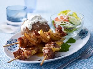 Gyros-Schaschlik mit Backkartoffeln Rezept