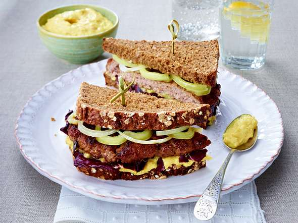 Hack-Sandwich mit Curry-Apfelcreme Rezept