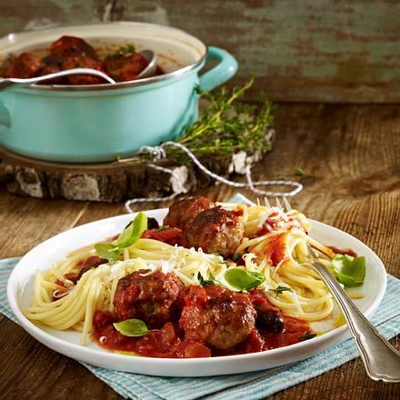 Hackbällchen in feuriger Tomatensoße zu Spaghetti Rezept