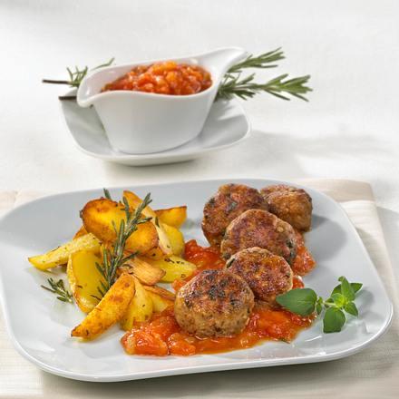 Hackbällchen in Sherry-Tomatensoße mit Rosmarin-Röstkartoffeln Rezept
