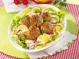 Hackbällchen mit Kartoffelsalat Rezept