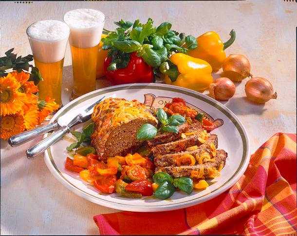 Hackbraten mit Paprika-Gemüse Rezept