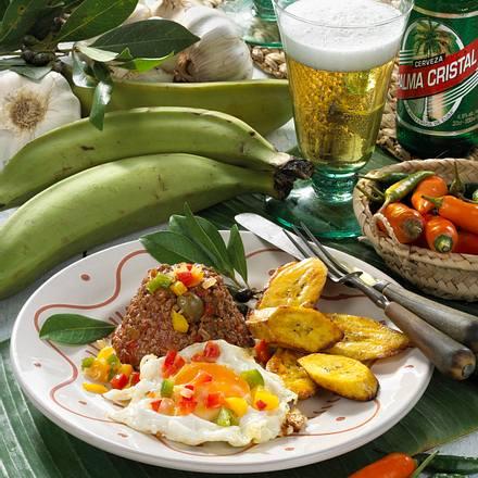 Hackfleisch mit Spiegeleiern nach kubanischer Art Rezept