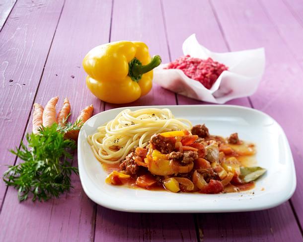 Hackfleisch mit Tomaten und Paprika Rezept