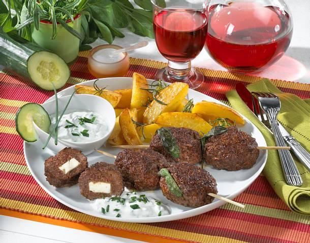 Hackfleischspieße mit Röstkartoffeln Rezept