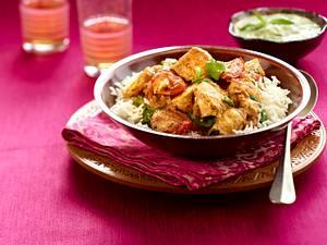 Hähnchen-Curry mit Gurken-Minz-Raita Rezept