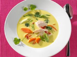 Hähnchen-Currysuppe mit Chili Rezept