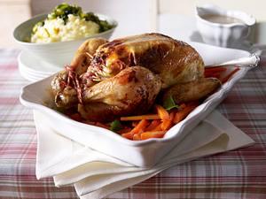 Hähnchen, gefüllt mit Kräuterfrischkäse, und Kartoffelpüree mit karamellisiertem Lauch Rezept