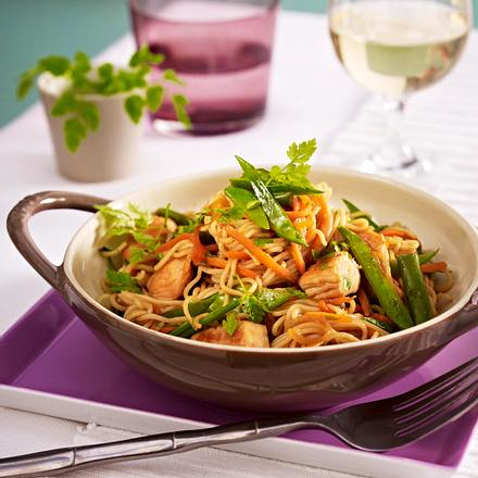 Außergewöhnlich Hähnchen-Gemüse-Wok mit Asia-Nudeln Rezept | LECKER &CY_58