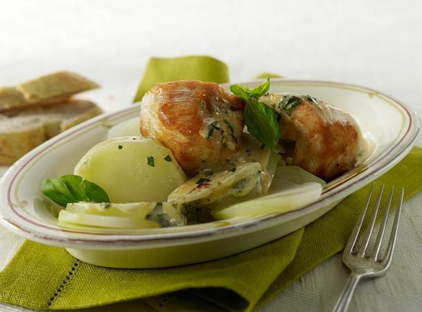 Hähnchen-Medaillons in Basilikum-Bressosoße mit Kohlrabi Rezept