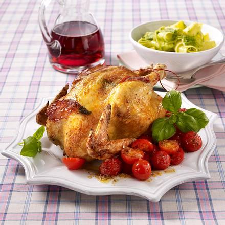 Hähnchen mit Pesto-Bandnudeln, Parmaschinken und Paprika Rezept