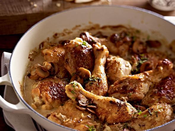 Hähnchen-Pilz-Stew mit Estragon-Brot Rezept