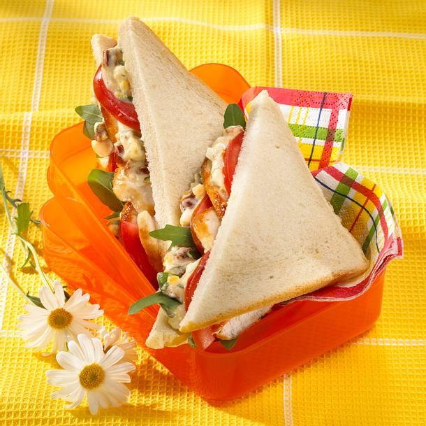 Hähnchen-Sandwich mit Eicreme Rezept