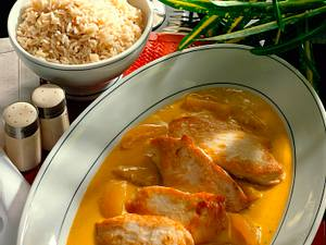 Hähnchenbrüste mit Curry-Aprikosen und Naturreis Rezept
