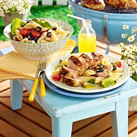 Hähnchenbrust vom Grill mit Nudel-Thunfischsalat Rezept