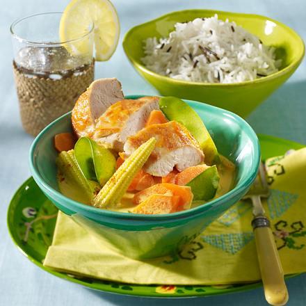 Hähnchenfilet auf cremigem Curry-Gemüse Rezept