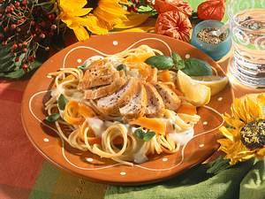Hähnchenfilet auf Spaghetti-Gemüsebett Rezept
