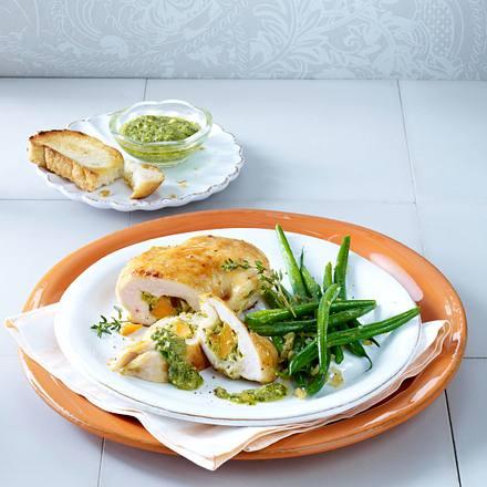 Hähnchenfilet gefüllt mit Möhren-Cashew-Pesto zu Bohnen Rezept