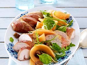 Hähnchenfilet im Parmaschinken auf Rauke-Melonensalat und Croûtons+ Styling Variante Rezept