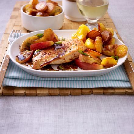 Hähnchenfilet in Apfel-Balsamico-Soße zu Röstkartoffeln Rezept