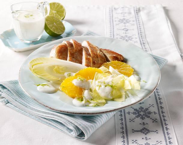 Hähnchenfilet mit Chicoree-Orangensalat und Limetten-Joghurtsoße (Trennkost) Rezept