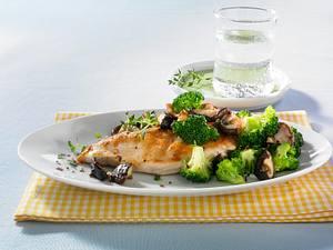 Hähnchenfilet mit Shiitake und Broccoli  Rezept