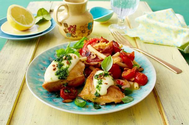 Hähnchenfilet mit Tomatensalat Rezept